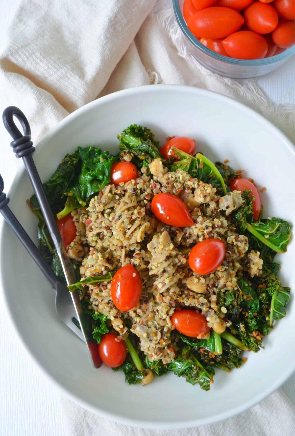 kale quinoa bowl